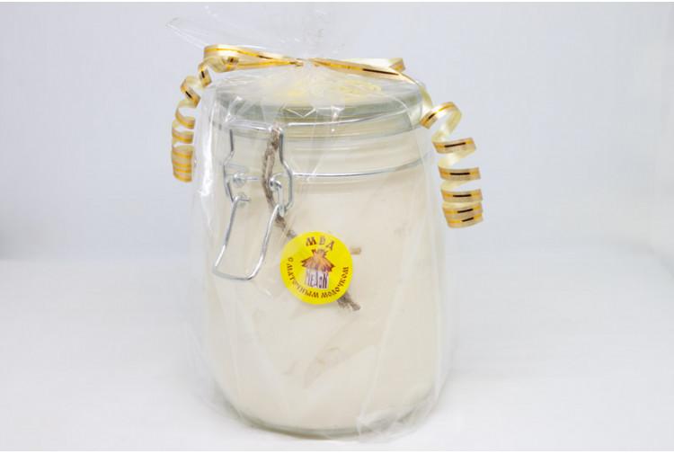 Мёд с маточным молочком - 0.9кг. (стекло)